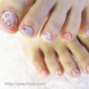 ピンクヒョウ柄フレンチ ジェルペディキュア ネイル画像♪