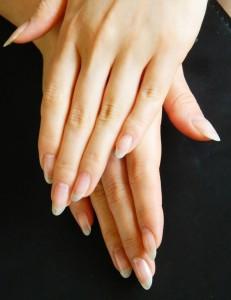 美しい指先。ネイルを美しく保つには。。